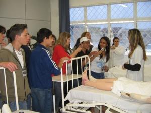 Estudantes de escolas de Joinville visitaram o campus do IF-SC durante a SNCT em 2008